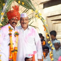 Upendra Limaye and Mohan Agashe - Sarpanch Bhagirath Movie